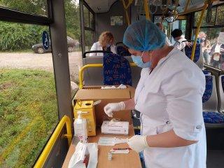 На Новомиколаївці і Великій Балці працюватимуть виїзні пункти вакцинації